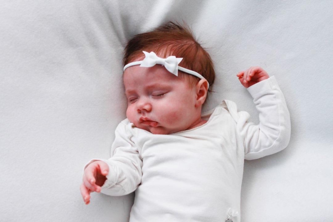 tips voor doorslapende baby, doorslapen, mama van dijk, baby, slapeloze nachten, christelijke mamablogger, mamablog,