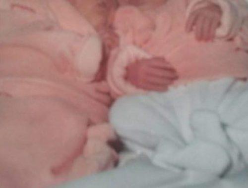 geboorte tweeling, geboorteverhaal, tweelingzusjes