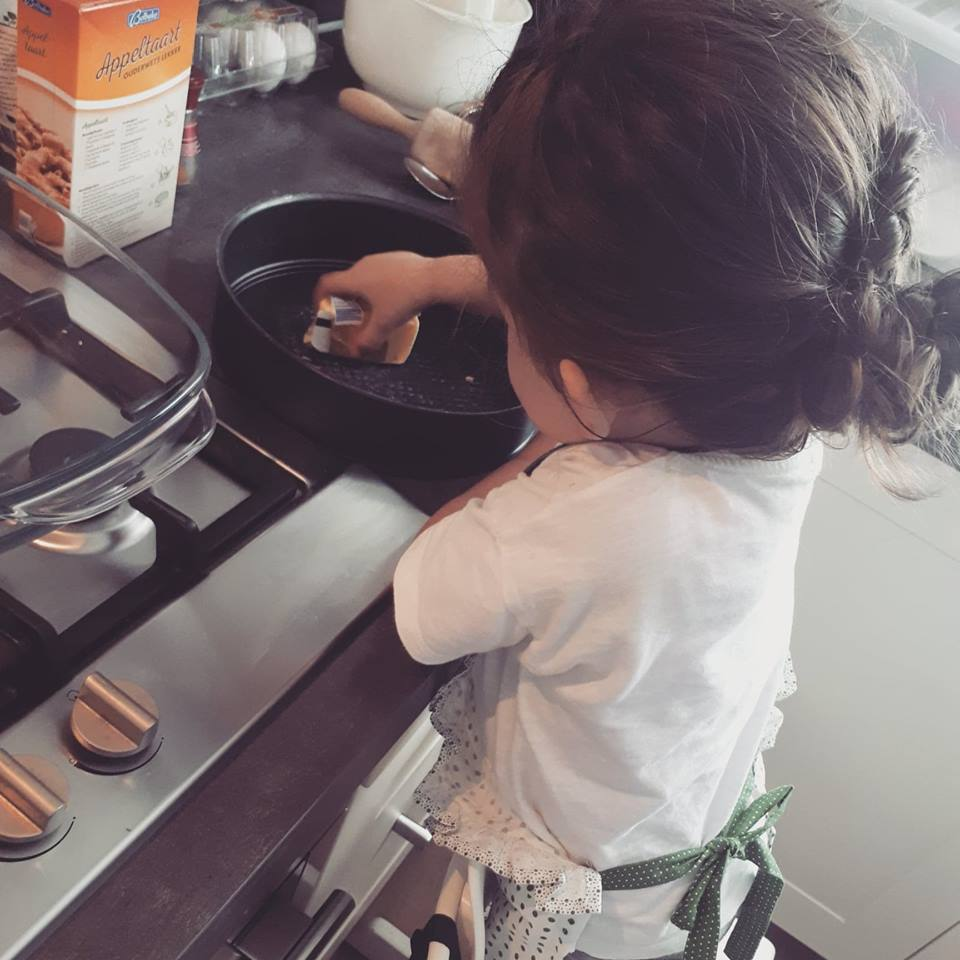 mamablogger mama van dijk, appeltaart maken, peuter, vakantietip