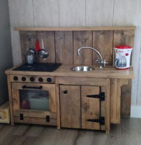 steigerhouten keukentje, inspiratie op ,mamablog mama van dijk