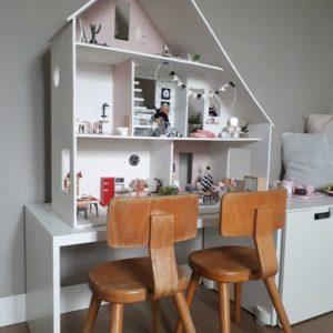 Op mamablog mama van dijk lees je over de makeover van een oud poppenhuis, modern poppenhuis,